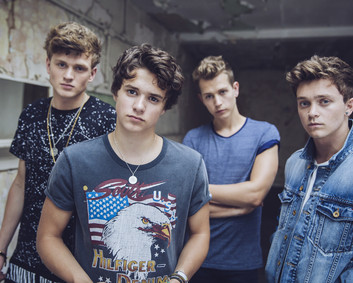 Default_the vamps_awh_2497[2]